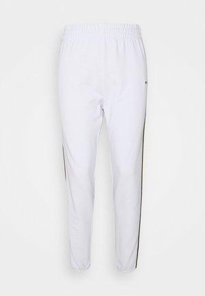 HIGH WAIST RELAXED CROPPED TAPING - Pantalon de survêtement - white