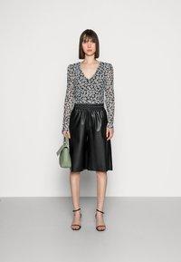 Fabienne Chapot - MARIE - Long sleeved top - black/emerald - 1