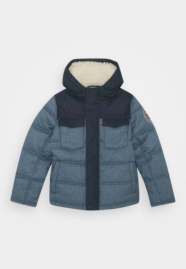 QUILTED TRUCKER JACKET - Winter jacket - dress blues
