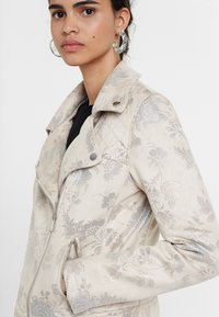 Desigual - CHAQ ASTRID - Blazer jacket - white - 3