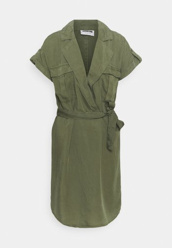 NMVERA ENDI DRESS - Vestido camisero - khaki