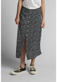 Nümph - NUCARLY SKIRT - Maxi skirt - black - 0