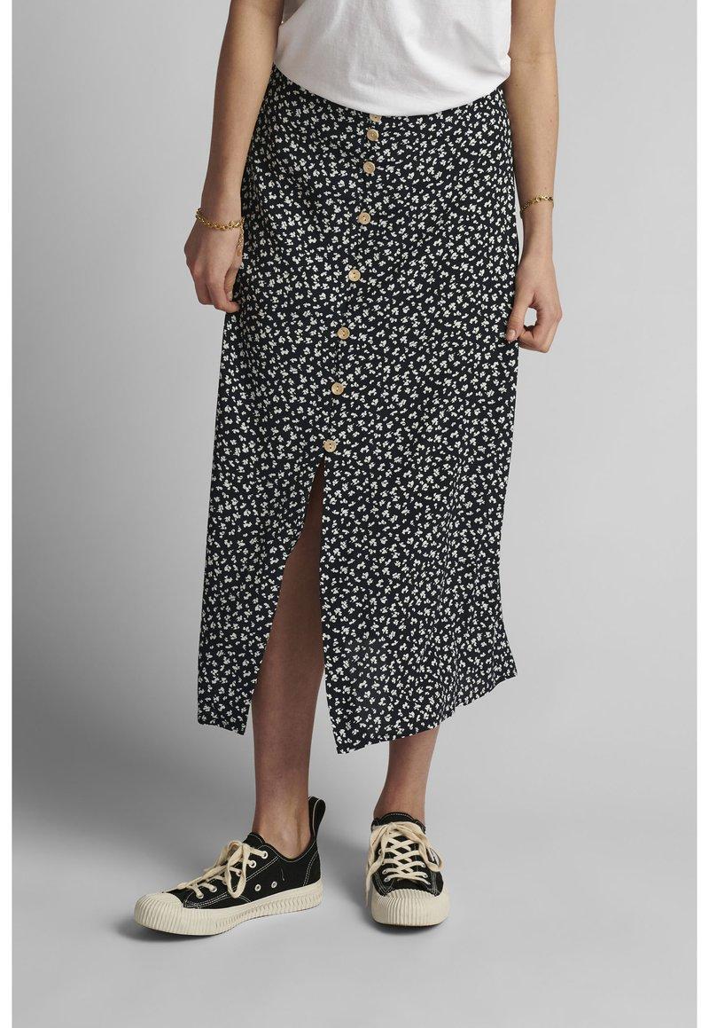 Nümph - NUCARLY SKIRT - Maxi skirt - black