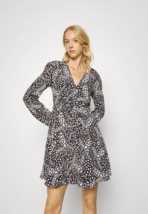 LONG SLEEVE TEA DRESS - Sukienka letnia - black