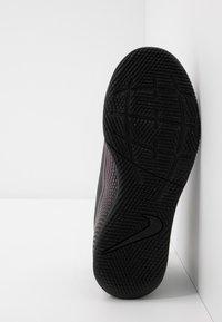 Nike Performance - MERCURIAL 7 CLUB IC - Indoor football boots - black - 5