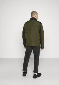Calvin Klein - QUILTED JACKET - Light jacket - green - 2