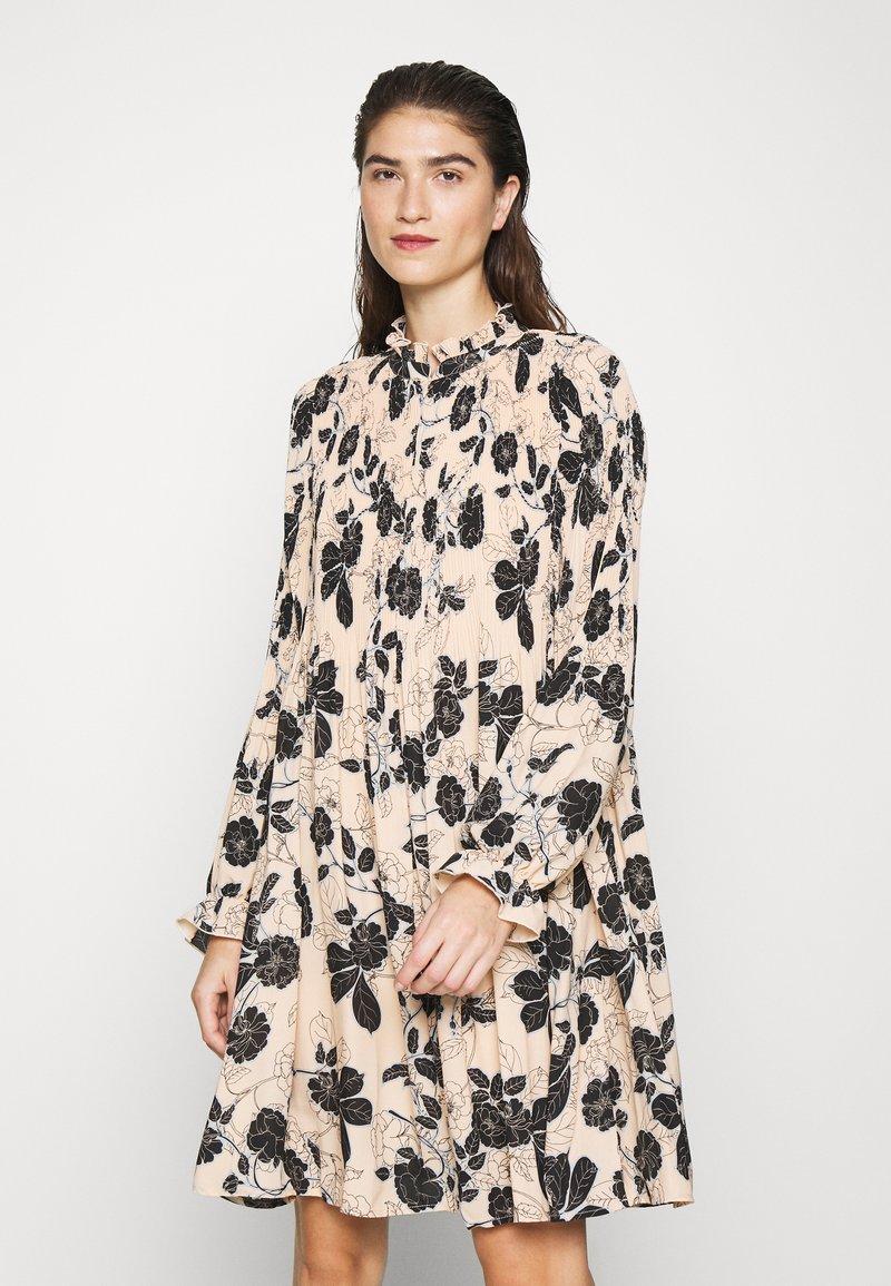 Cras - BELLACRAS DRESS - Sukienka letnia - babeth
