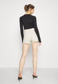 Weekday - ROWE  - Jeans Shorts - beige - 2