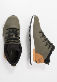 Timberland - SPRINT TREKKER - Sneakers hoog - dark green/wheat - 1