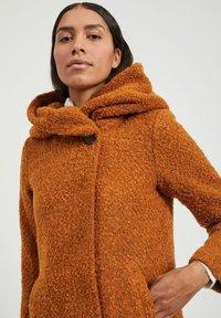 Vila - Classic coat - pumpkin spice - 3