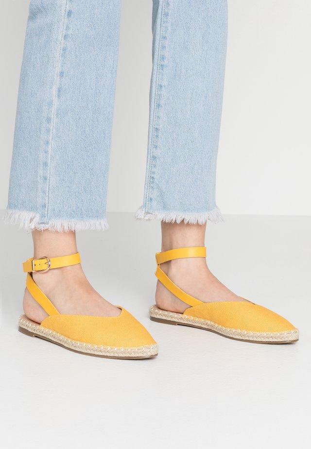 BELFAST - Ballerine - yellow