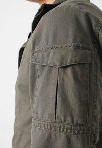 Scalpers - Leichte Jacke - khaki - 6