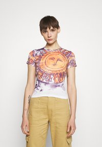 BDG Urban Outfitters - BIG SUN BABY TEE - T-shirts med print - white - 0