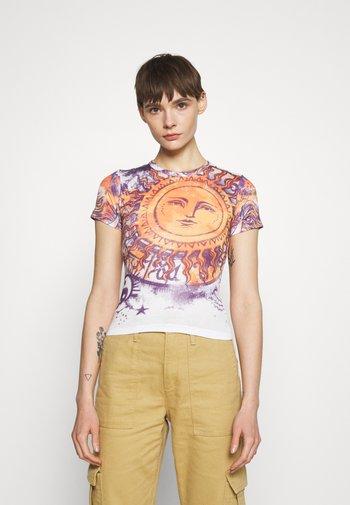 BIG SUN BABY TEE - Print T-shirt - white