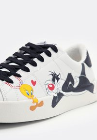 MOA - Master of Arts - FLIPS TWEETY AND SILVESTRO - Trainers - white - 5