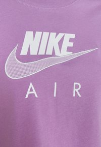 Nike Sportswear - T-shirts med print - violet shock - 4