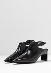 McQ Alexander McQueen - VISION OPEN BOOT - Ankle boots - black - 4