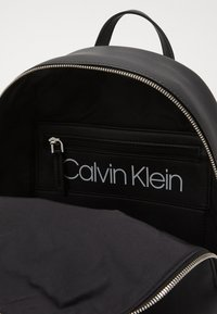 Calvin Klein - MUST BACKPACK - Rucksack - black - 4