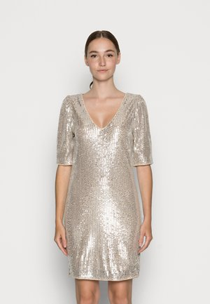 VISAVIAS SEQUIN V NECK DRESS - Sukienka koktajlowa - frosted almond