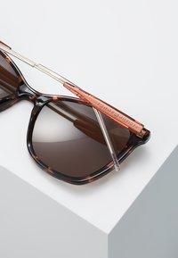 Tommy Hilfiger - Okulary przeciwsłoneczne - brown - 3