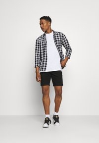 Only & Sons - ONSPLY LIFE - Shorts di jeans - black denim - 1