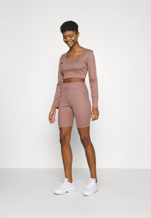 RIB CROP TOP & CYCLING SHORT SET - Kraťasy - brown