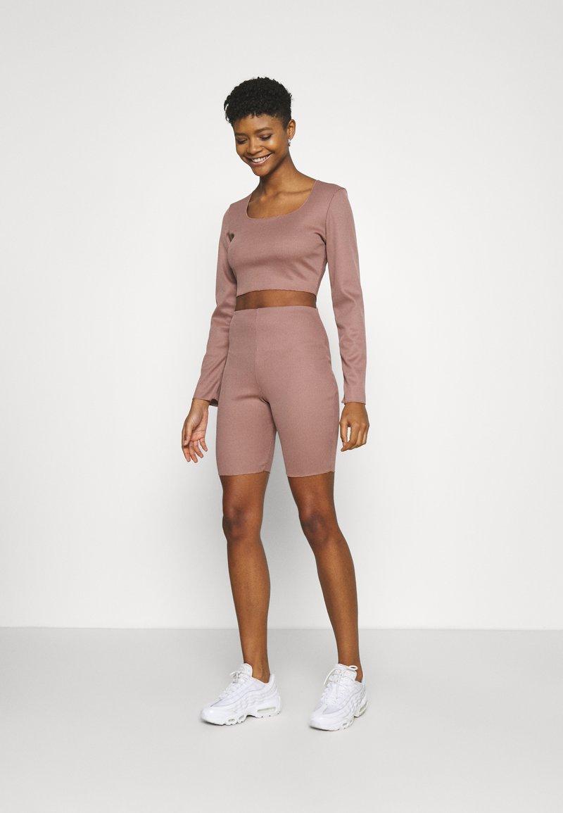Missguided - RIB CROP TOP & CYCLING SHORT SET - Shorts - brown