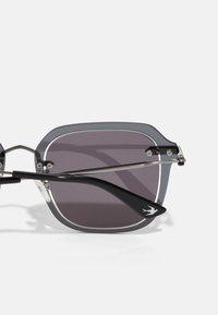 McQ Alexander McQueen - Solbriller - ruthenium/grey - 2