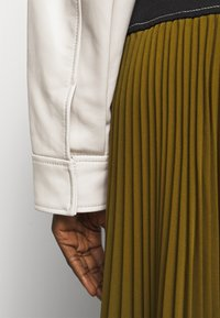 Proenza Schouler White Label - LIGHTWEIGHT DRAWSTRING WAIST JACKET - Leather jacket - ecru - 7