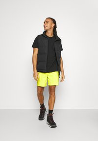 The North Face - CLASS PULL ON SHORT - Träningsshorts - sulphr - 1