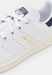 adidas Originals - STAN SMITH UNISEX - Matalavartiset tennarit - white - 5