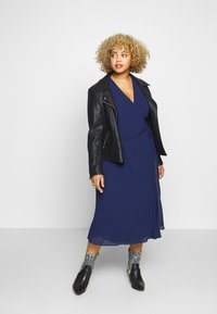 TFNC Curve - BELO MIDI DRESS - Cocktailkjoler / festkjoler - navy - 1