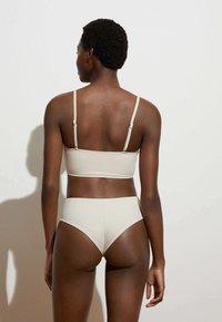 OYSHO - Bikini top - off-white - 2