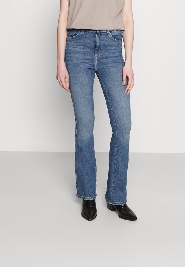 MOXY - Flared jeans - west coast blue