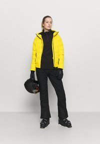 Brunotti - FIRECROWN WOMEN SNOWJACKET - Kurtka snowboardowa - sun - 1