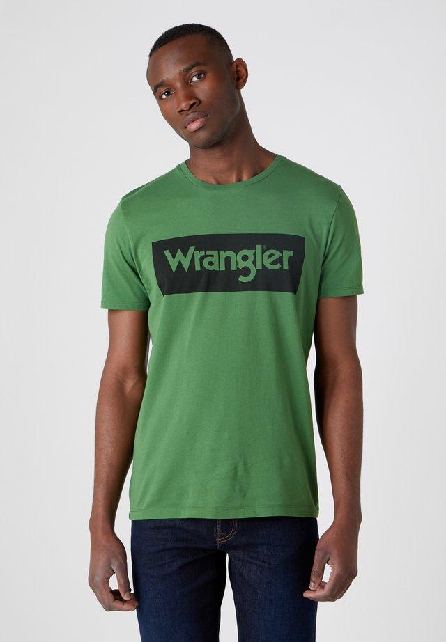 T-shirt print - artichoke green