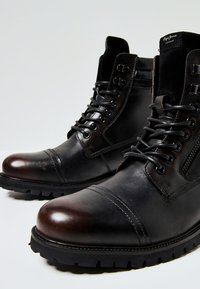 Pepe Jeans - WOODLAND - Botki sznurowane - factory black - 5