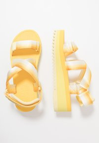 Tommy Jeans - DEGRADE TAPE FLATFORM - Sandalias con plataforma - lemon - 3