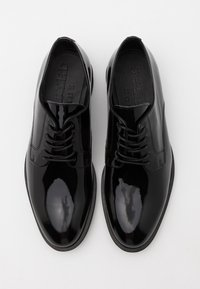 Selected Homme - SLHLOUIS DERBY SHOE - Smart lace-ups - black - 3