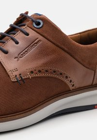 Lloyd - MILTON - Sznurowane obuwie sportowe - cognac - 5