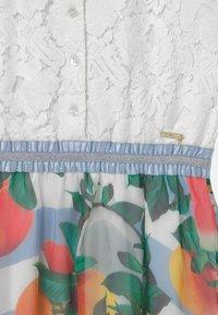 Guess - JUNIOR - Vestito elegante - true white - 2