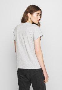 ONLY - ONLJOY LIFE BAT BOX - Print T-shirt - light grey melange/banana - 2