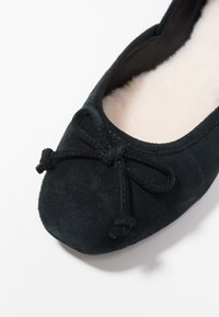 UGG - LENA FLAT - Ballerina's - black - 2