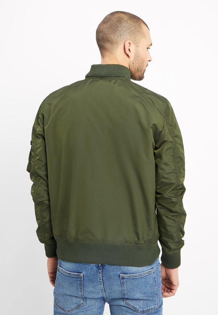 100% Alkuperäinen Miesten vaatteet Sarja dfKJIUp97454sfGHYHD Alpha Industries HOODED Bombertakki dark green