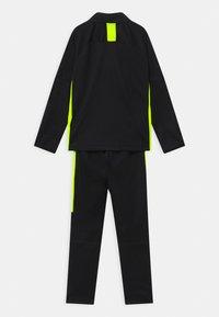 Nike Performance - DRY ACADEMY SET - Trainingsanzug - black/volt - 1