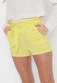 ONLY - PAPERBAG - Shorts - pineapple slice - 3