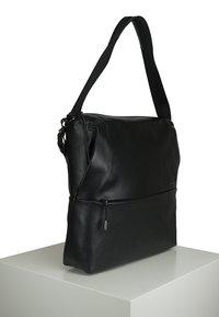 Mandarina Duck - MANDARINA DUCK - Across body bag - black - 3