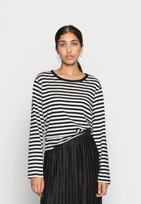 Monki - URSULA - Langærmede T-shirts - black/white /yellow - 3