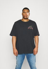 Tommy Jeans Plus - DIAMOND BACK LOGO TEE - T-shirt con stampa - black - 2