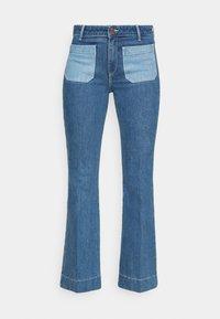 Wrangler - Flared jeans - light blue denim - 5